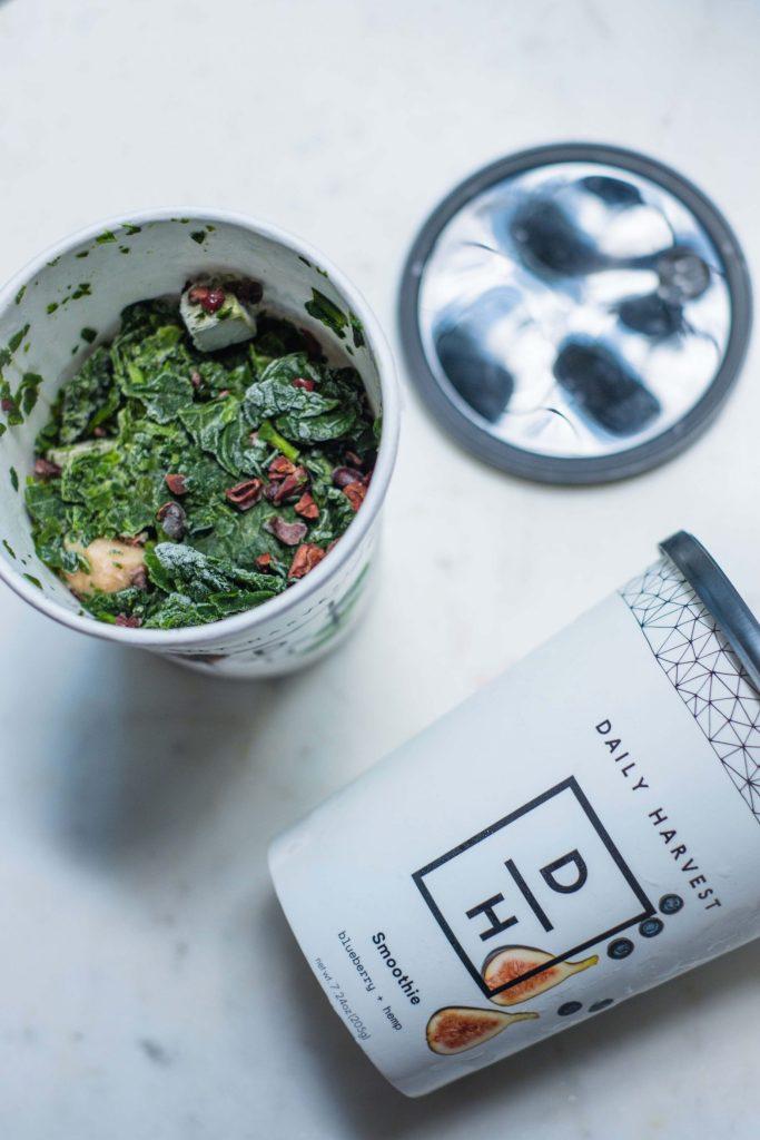Easy, Healthy & Quick Breakfast Ideas #whatsavvysaid #healthmeals #glutenfree #vegan #easybreakfast #breakfastideas #dailyharvest #smoothies #greensmoothie