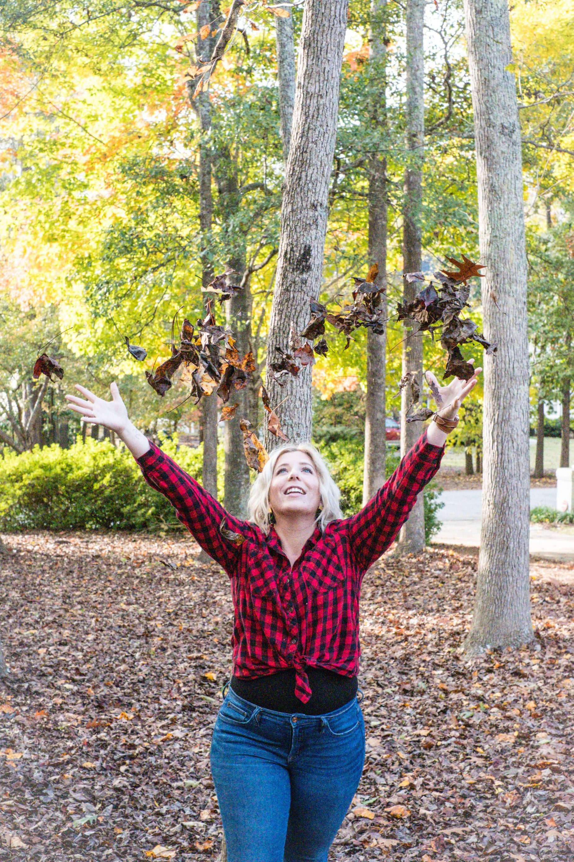 5 Tips To Help You Combat Bloating #whatsavvysaid #bloating #wellness #healthtips #wellnessblogger #fallphotos