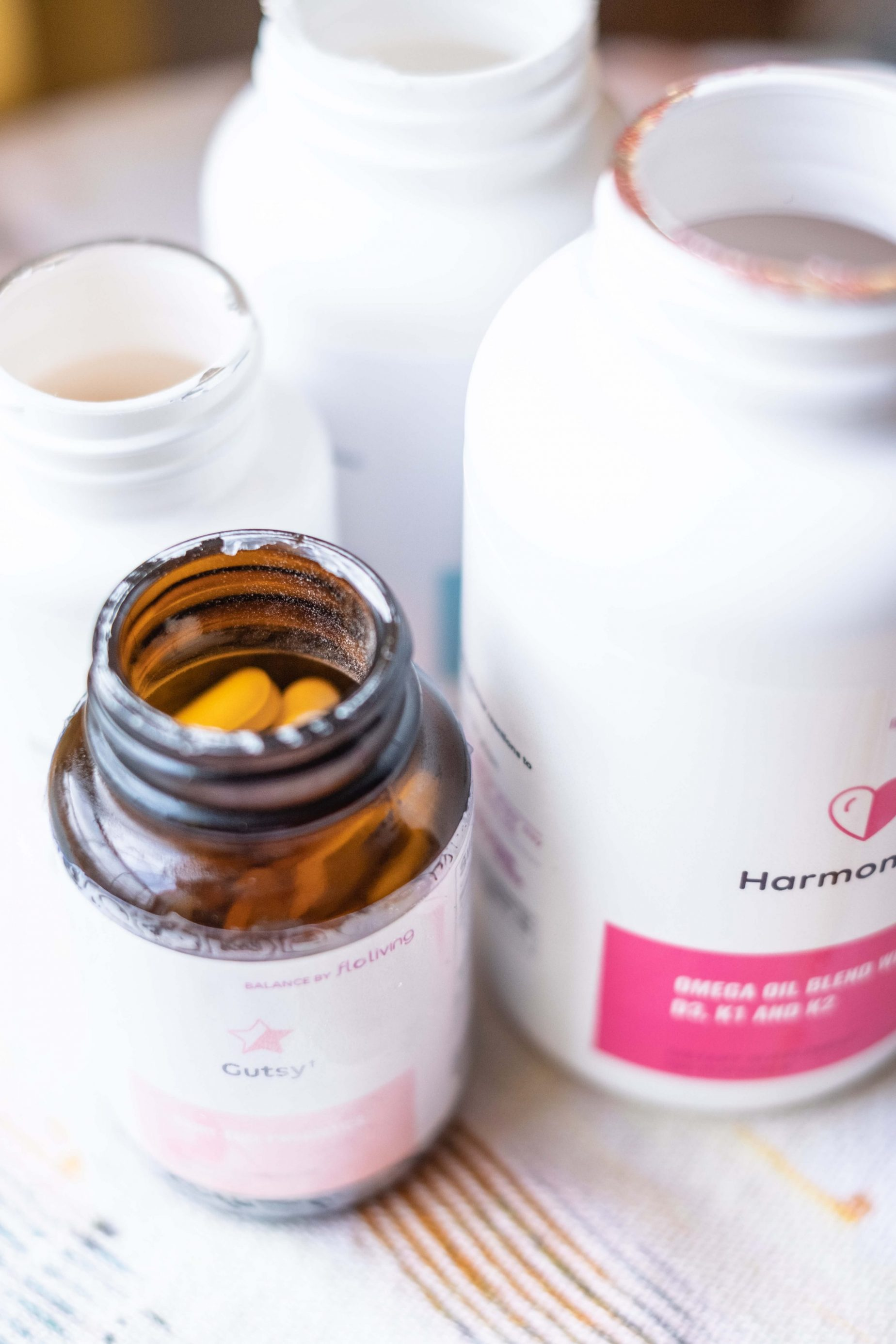 Floliving Supplements Review - Do They Really Work- #whatsavvysaid #wellness #pcos #supplements #floliving #flolivingreview