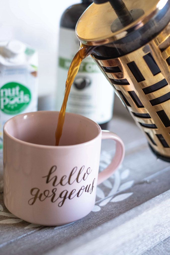How To Super Charge Your Morning Coffee #whatsavvysaid #morningroutine #superfood #coffee #sunpotion #nutpods #hotcoffee