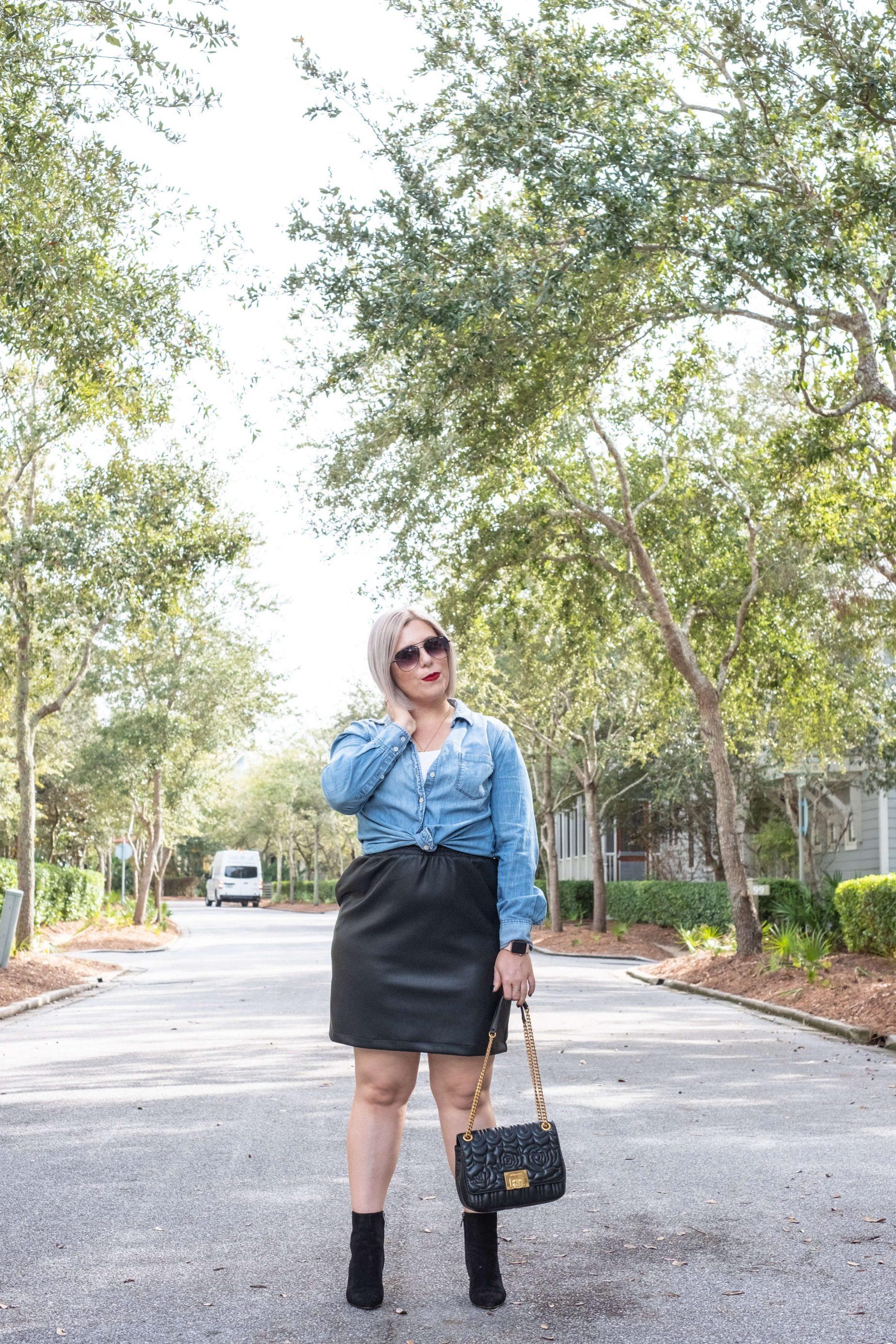 5 Tips For Shopping Your Closet #whatsavvysaid #wellnessblogger #fashionblogger #lifestyle #shopyourcloset #girlonabudget #curvystyle #shopyourwardrobe