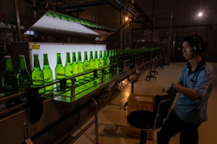 Checking consistency on the Taipei Brewing bottling line