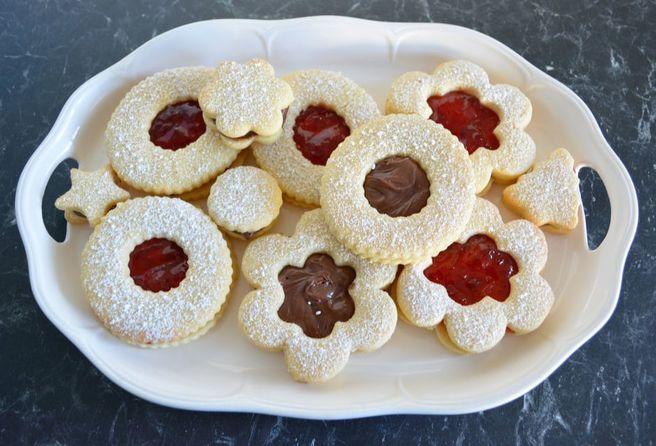 Christmas Sandwich Cookies - What's Cooking Ella