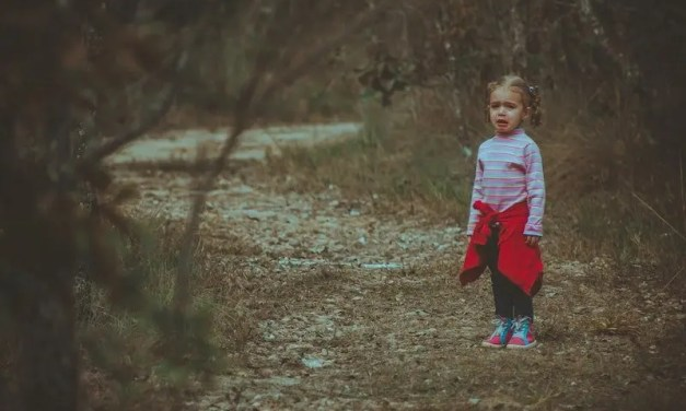 10 Tips to Stay Calm When Your Child Acts Up