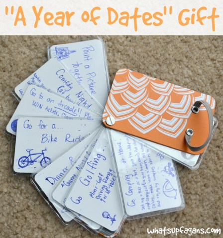 "Here's how to put together a ""Year of Dates"" gift to a loved one - use a credit card holder! 