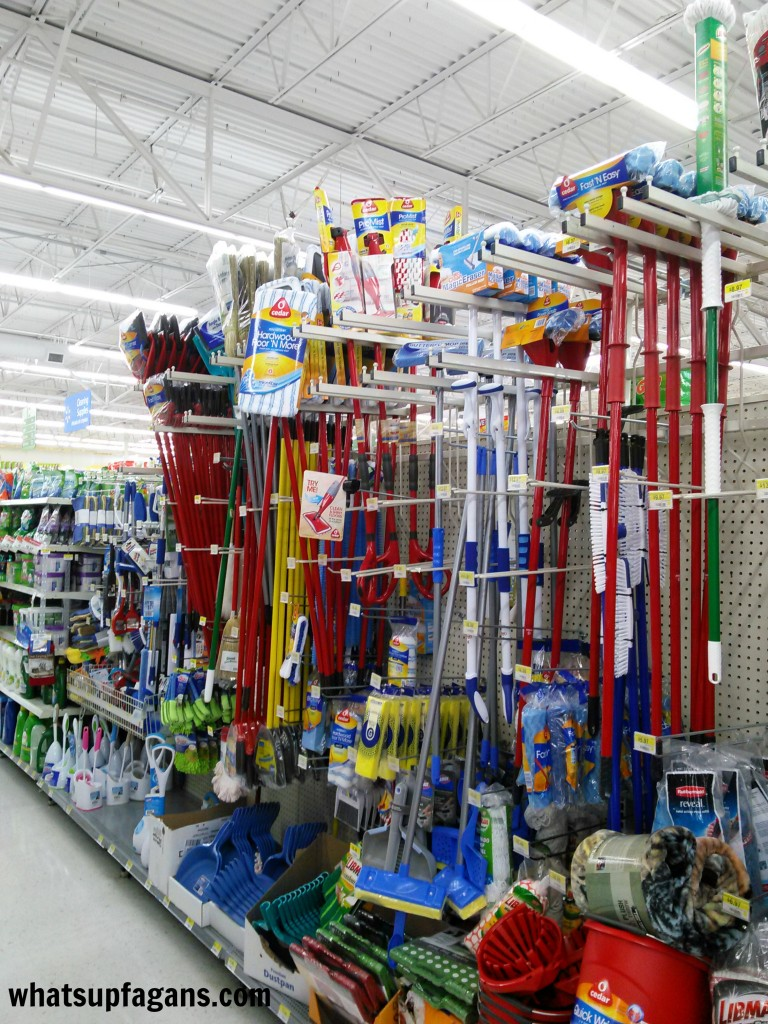 O-Cedar ProMist Microfiber Spray Mops at Walmart #CleanForTheHolidays #cbias #ad