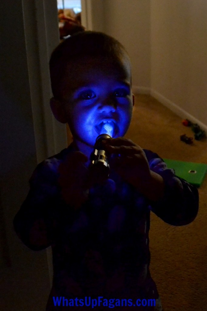 Getting kids brushing teeth without a fight is one of those parenting battles we need to win. Here are good simple ideas tips to get kids brushing with ease.