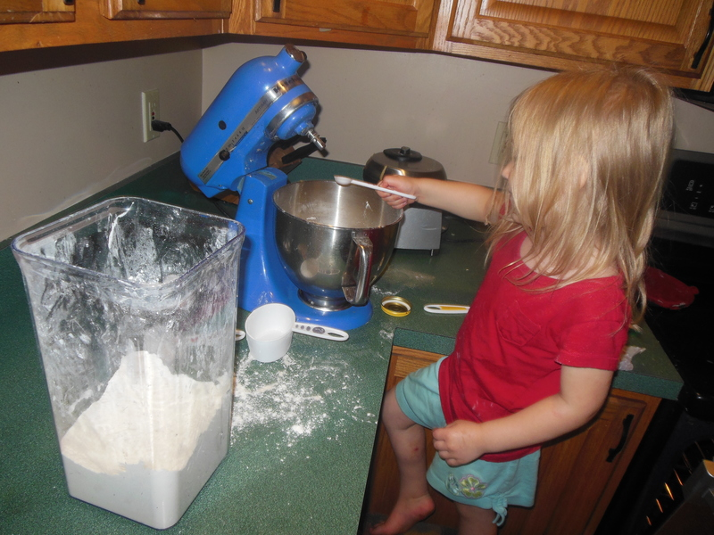 Having your kids help in the kitchen - another symptom of Mom-Zheimer's