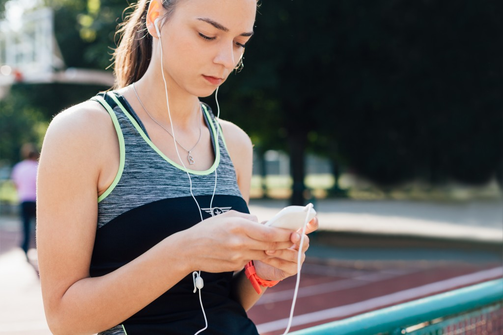How to start working out when you hate running and exercise. 6 tools that will help you be successful quieting those inner give-up voices.