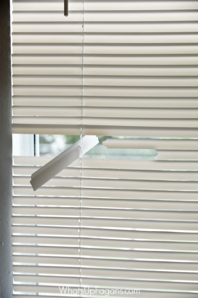 Great DIY tutorial on how to fix mini blinds that are broken! My kids break them all the time. Great apartment living tip that will save money!
