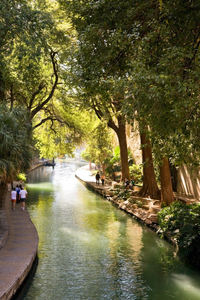 river-walk-moment_Tags_River