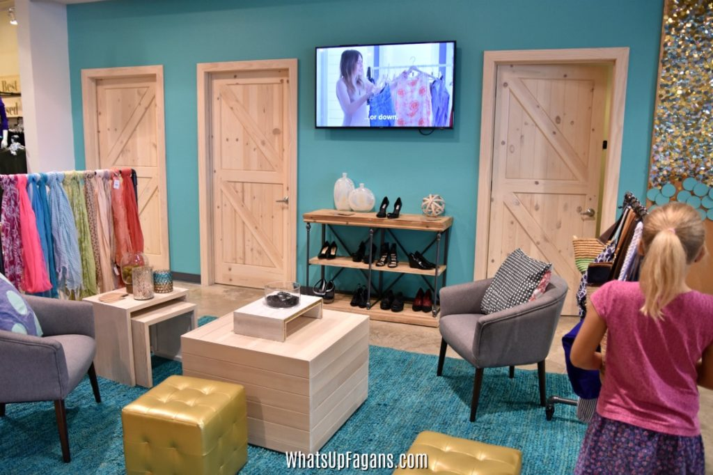 ThredUp San Marcos Store Fitting Dressing Rooms