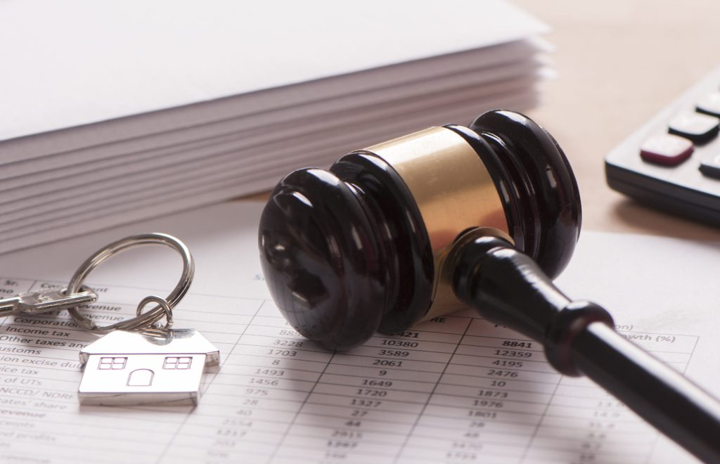 What to do when landlord doesn't return deposit - how to get security deposit back - legal actions and suing landlord