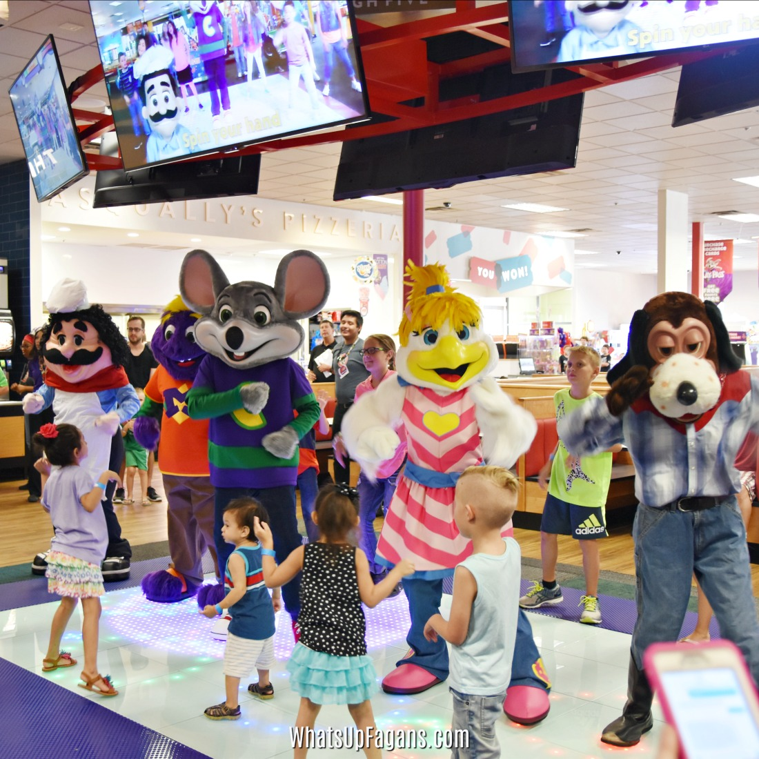 Gift Your Kids An Experience With Chuck E Cheese S