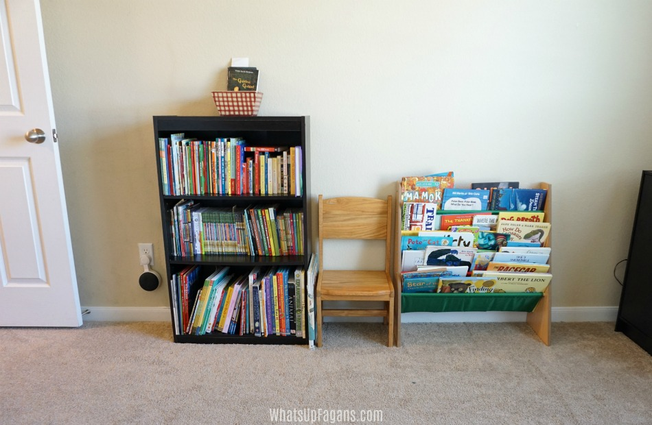 organize homeschool room books