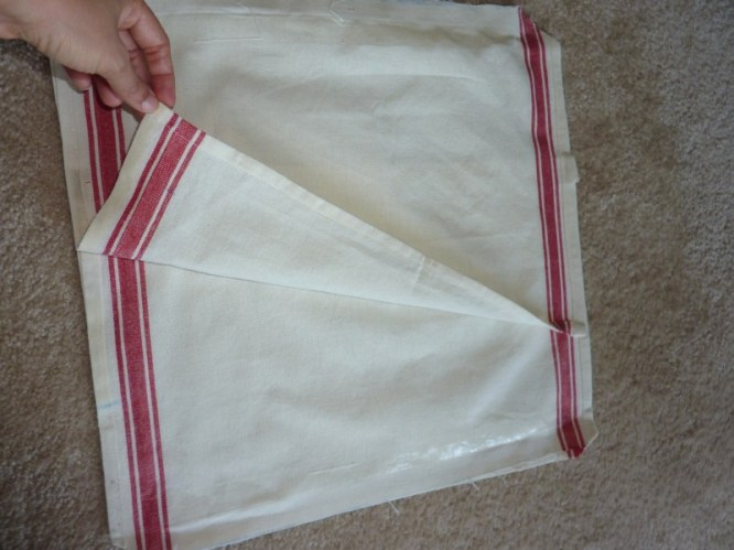 How to Make Pillow Covers with a Dish Towel