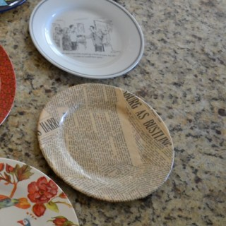 Whats Ur Home Story: decoupage plate
