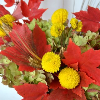 Whats Ur Home Story: Fall centerpiece, simple Thanksgiving table decor