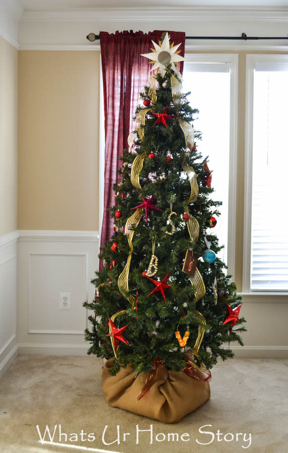 Burlap Covered Faux Root Ball Tree Skirt | Whats Ur Home Story