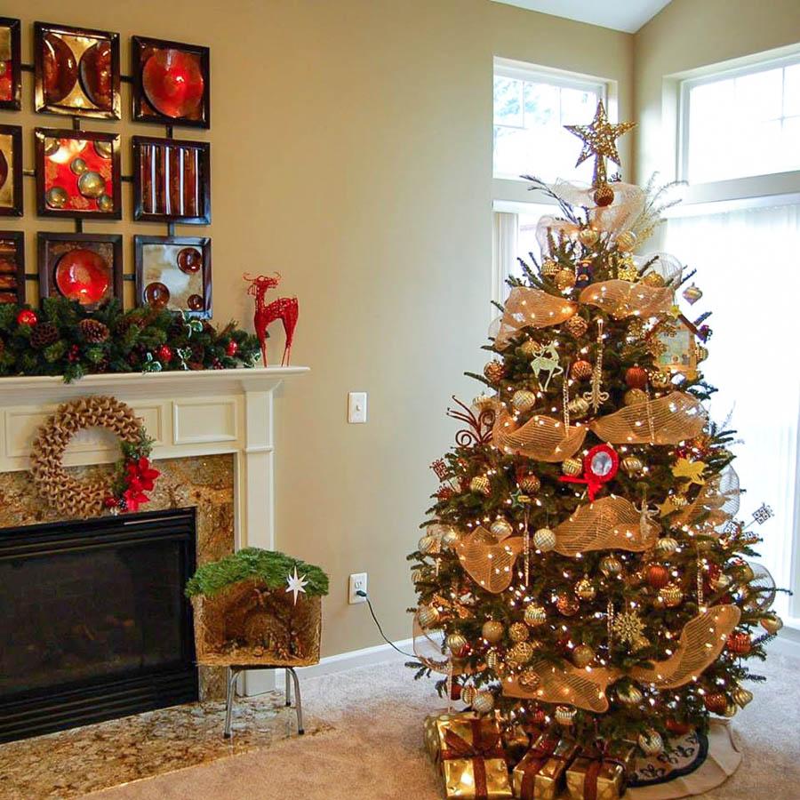 Reader Showcase   Jinas Holiday Mantel