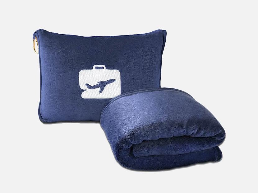 EverSnug Travel Blanket and Pillow.