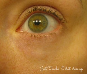 Just Touche Eclat Close Up Green Eye