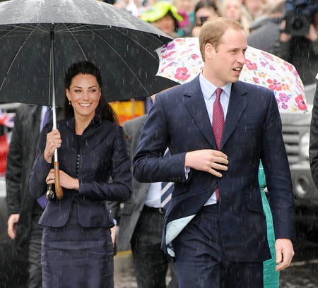 Curly hair like Kate's just doesn't behave in rain. I now know her secret!