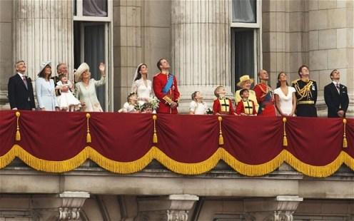 royal-family-balcony_tdt