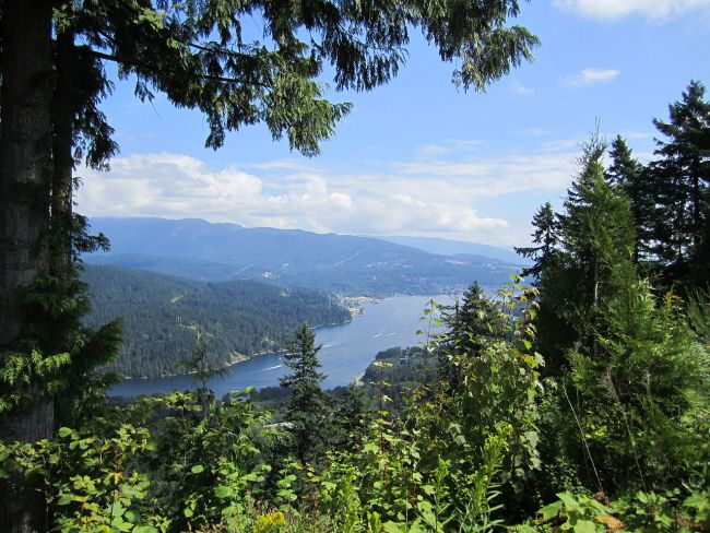 1280px-Eastern_arm_of_Burrard_Inlet_from_Burnaby_Mountain