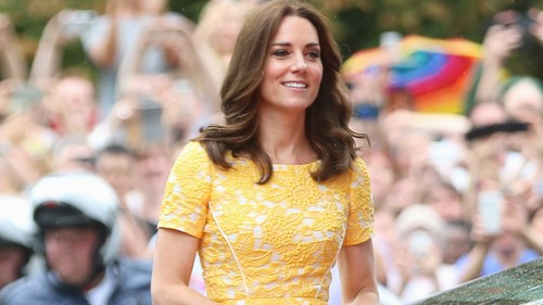 HEIDELBERG, GERMANY - JULY 20: Catherine, Duchess of Cambridge arrives for a visit of the German Cancer Research Center on the second day of their visit to Germany on July 20, 2017 in Heidelberg, Germany. The Duke and Duchess of Cambridge will meet researchers including Nobel Prize winner prof. Dr. Harald zur Hausen, and visit the stem cell research lab. The royal couple are on a three-day trip to Germany that includes visits to Berlin, Hamburg and Heidelberg. (Photo by Thomas Niedermueller/Getty Images)