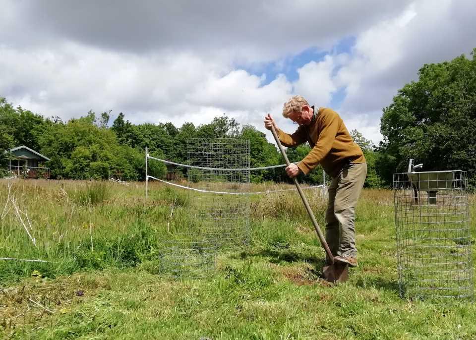 Shows Ian digging in the Wheatland Farm Lodge Field