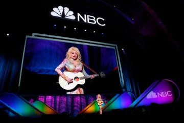 """NBCUNIVERSAL EVENTS -- 2015 NBC Upfront Presentation -- Presentation to Advertisers -- Pictured:  Dolly Parton """"Coat of Many Colors"""" -- (Photo by: Paul Drinkwater/NBC)"""
