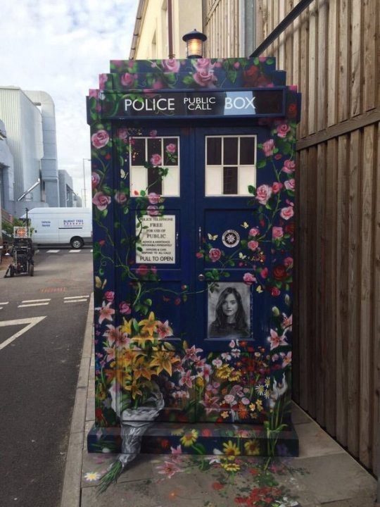 Doctor Who Oswald Memorial TARDIS