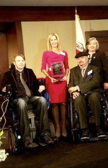 Mayra holding award