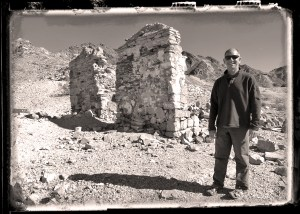 Paul poses by the old hospital in Tumco