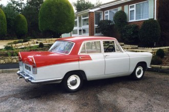 The early Farina-styled models, like this superb 1961 A55 Mark II, featured 'pointed' rear fins; the Oxford V has generally similar bodywork.