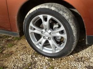 The GX5 test car featured attractive five spoke aluminium alloy wheels.