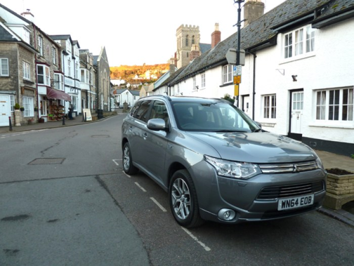 The Outlander PHEV's up-to-the-minute styling and a bold, but not aggressive, appearance add up to give a memorable presence on the road.