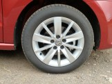 Attractive, easy to clean aluminium alloy wheels are part of the standard specification on the SE variant.