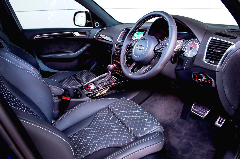 Audi S8 Plus supercar saloon front interior
