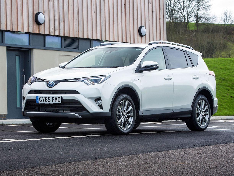 Toyota RAV4 Hybrid side front static copy