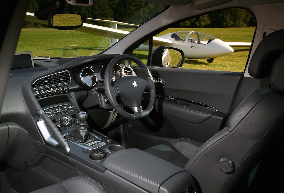 Peugeot 3008 Crossover front interior low res. copy