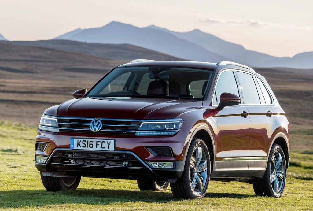 VW Tiguan SUV side front static copy