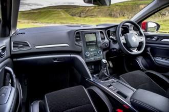 new-renault-megane-dci-110-hatchback-front-interior