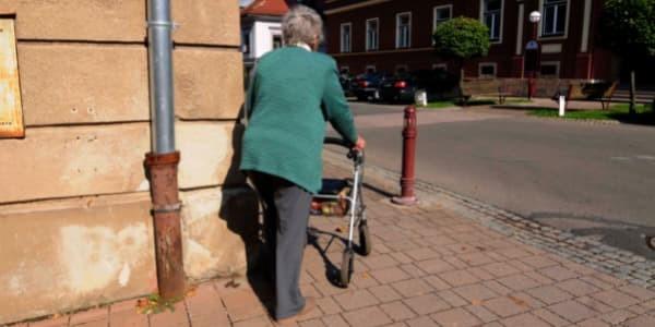 best-mobility-walker-for-balance-problem