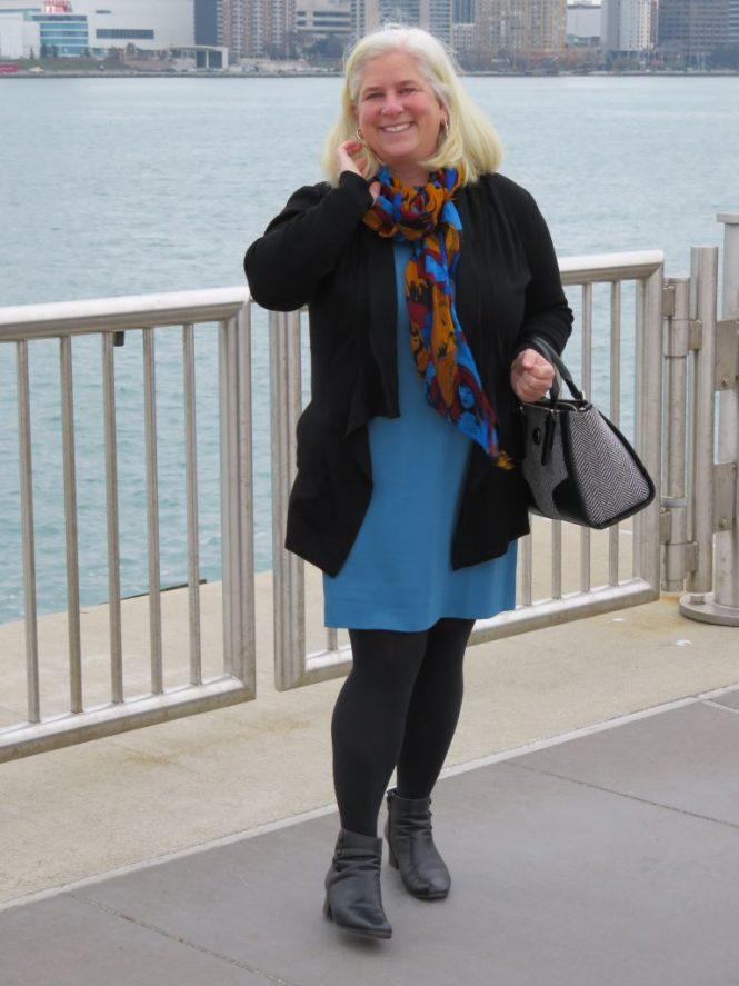 Best sweater for an apple-shaped, over 40 woman - www.whenthegirlsrule.com
