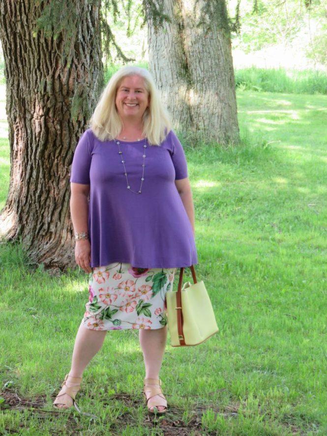 LuLaRoe for Apple-Shaped Women! | www.whenthegirlsrule.com