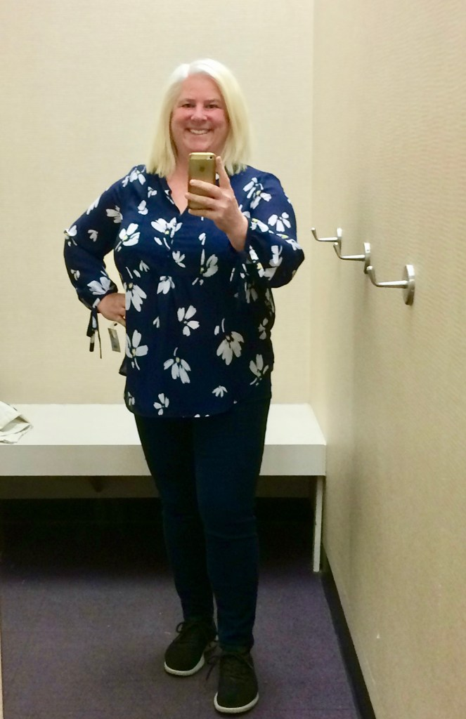 Spring Top That Fits A Wide Bust!   whenthegirlsrule.com