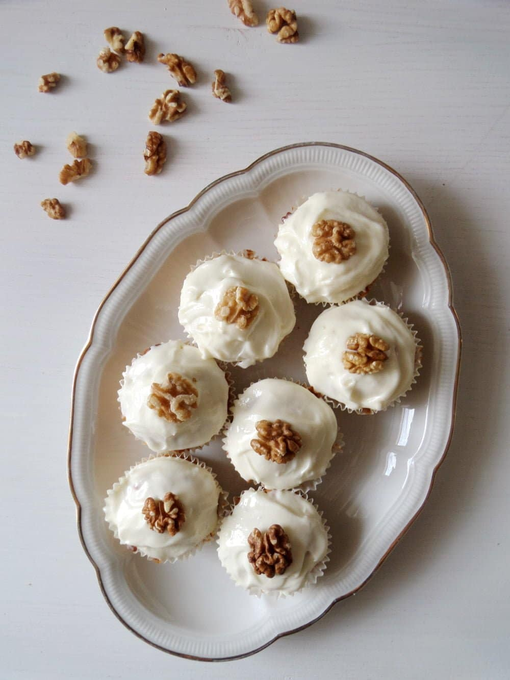 carrot cupcakes3 Caramelized Walnuts Buttercream Cake
