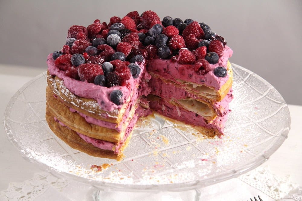 berry cake Easy Puff Pastry Cake with Berries and Cream